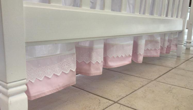 Polleron cuna  bordado ingles rosa