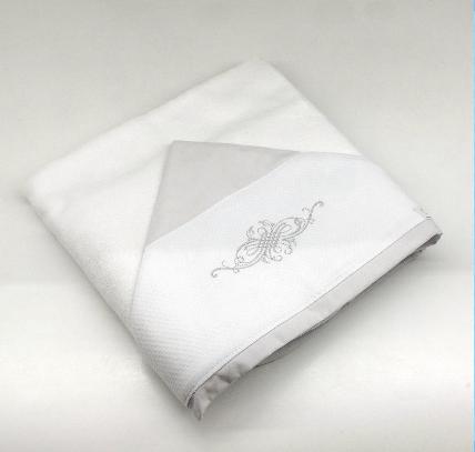 Toalla de baño doble bordada cinza