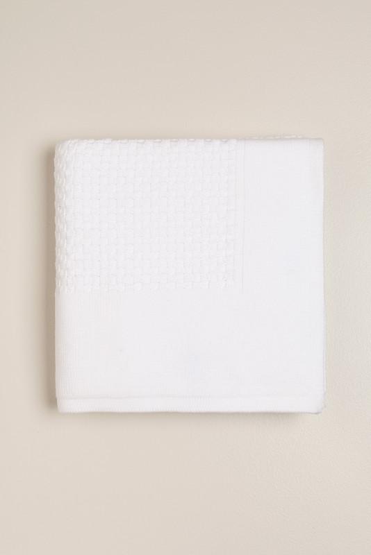 Manta clasica tejida blanca