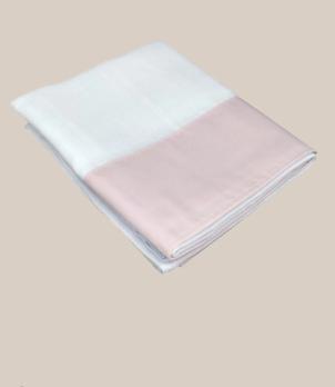 Toalla de gasa rosa