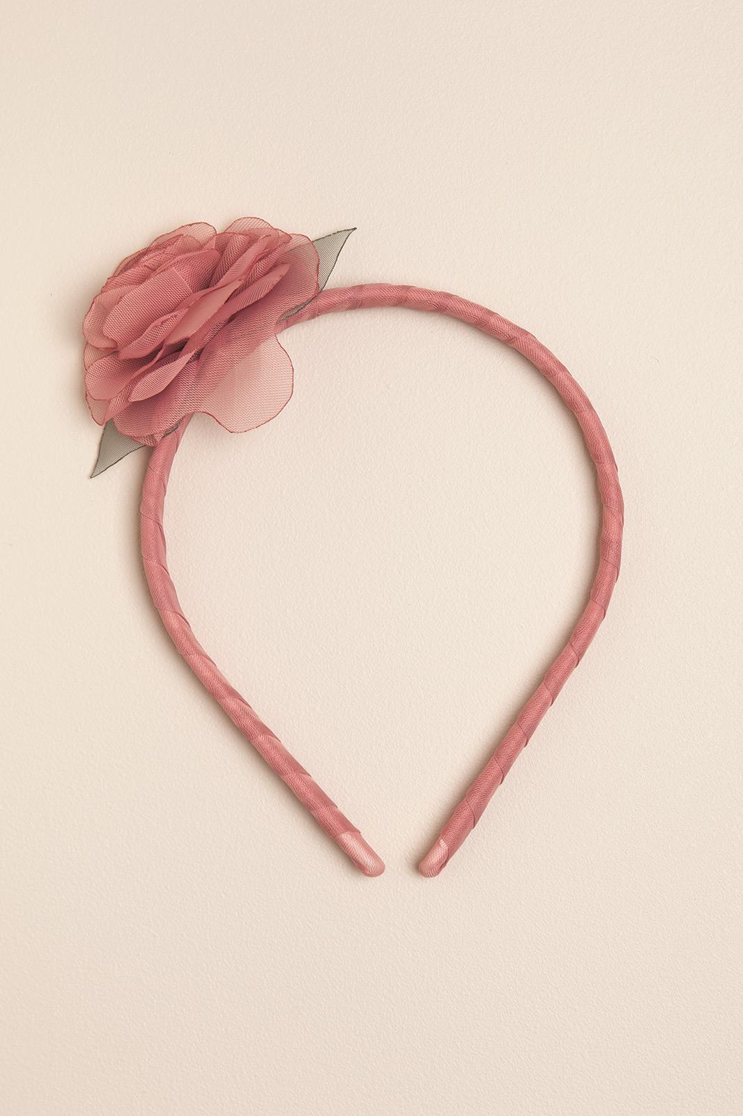 Vincha rigida con una flor rosa romantic
