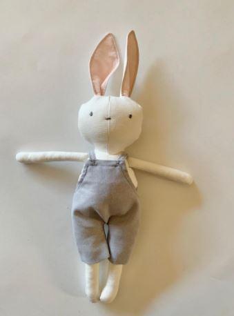 Conejo mameluco gris
