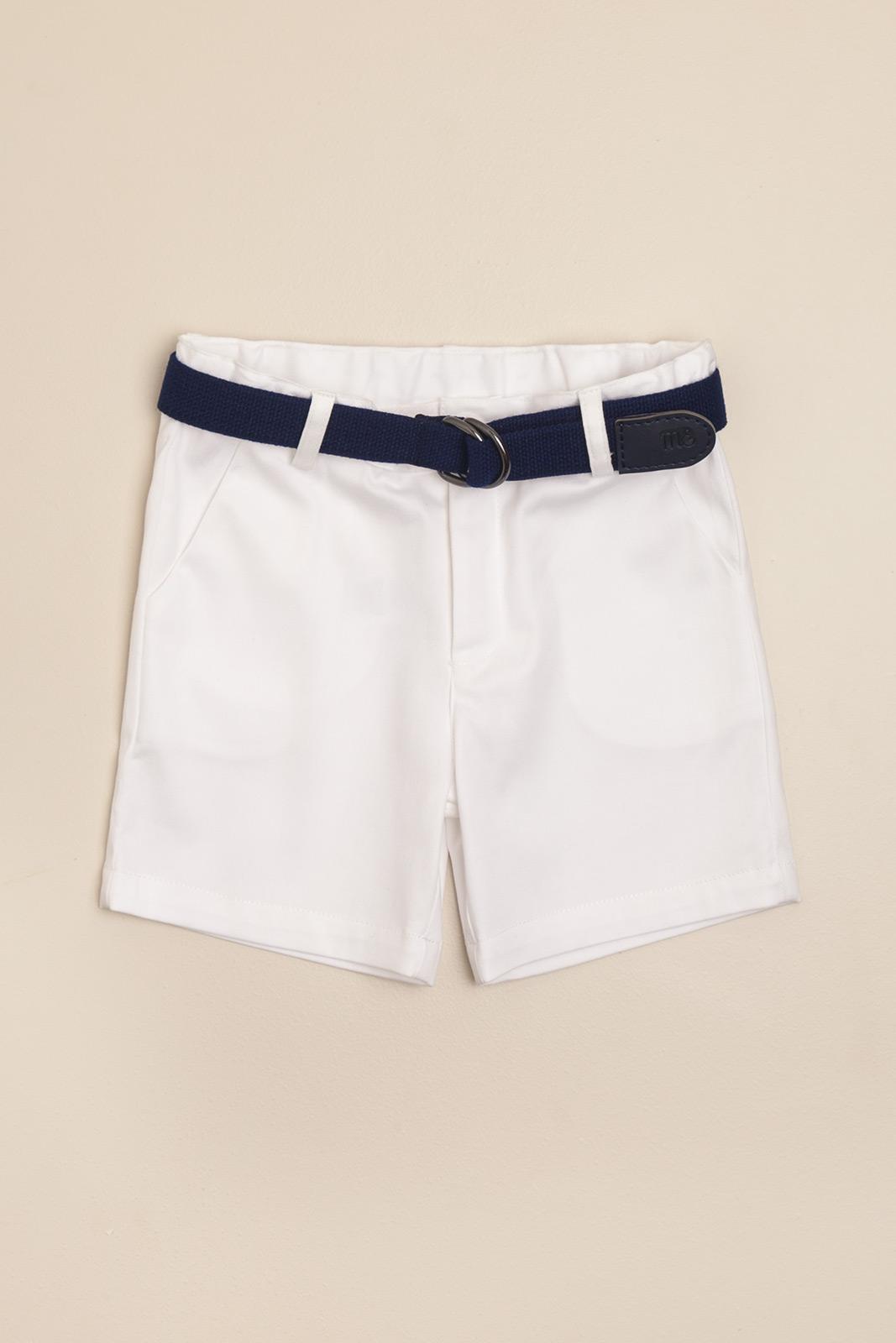 Bermuda blanca con cinturon