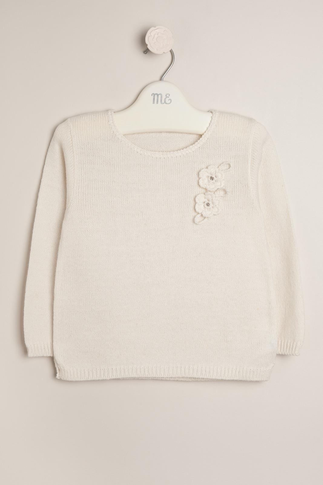 Sweater con flores nacar