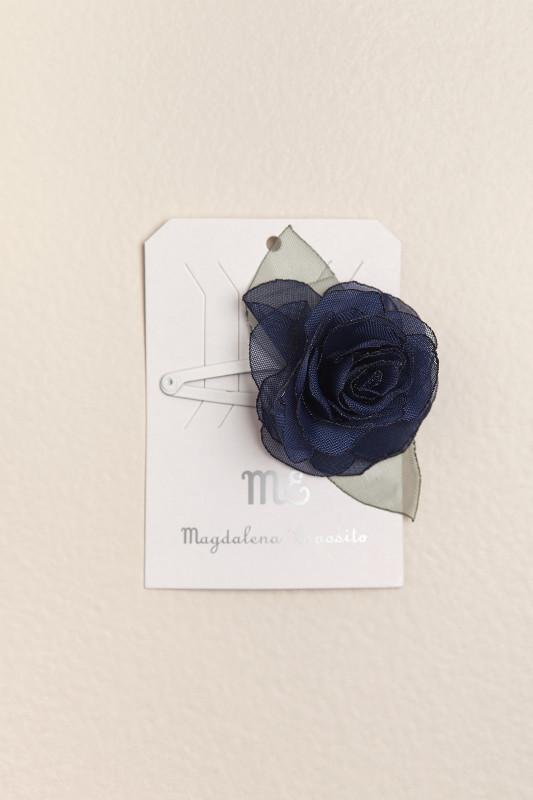 Sapito con flor azul